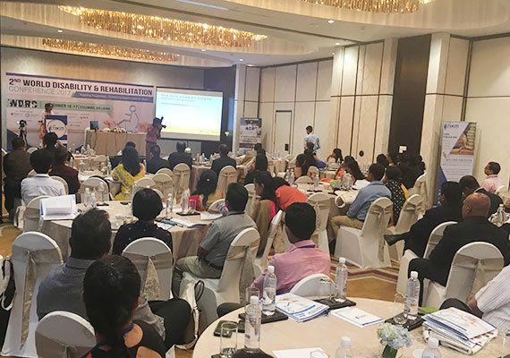 会議には約60名が参加しました(2017年11月16日)