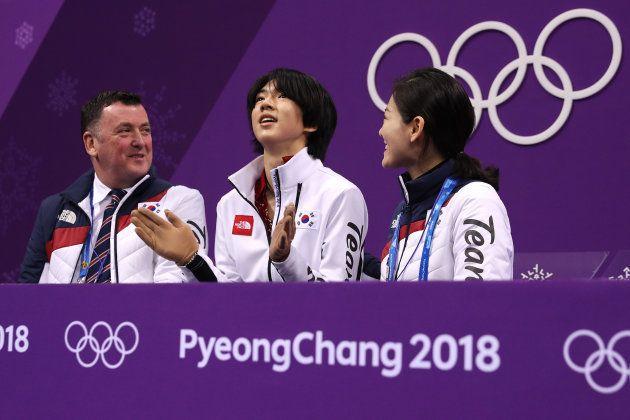 チャ・ジュンファン(中央)。2018年2月16日、韓国・江陵。