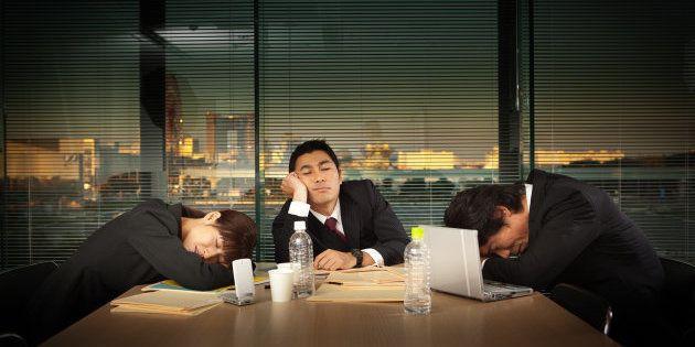 仕事量は同じで人いない。残業できず、家での仕事が増えた。働き方改革で働き方が変わらないワケ(調査結果)