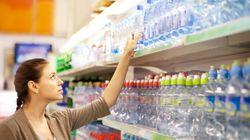 飲み終わったボトル、返却したら現金キャッシュバック。イギリスが環境汚染に対抗策