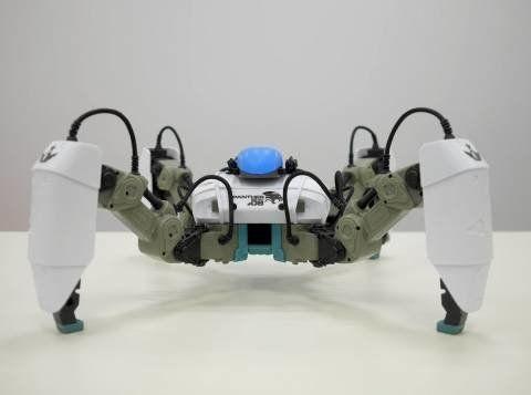 ドローンの次は多脚AR対戦型ロボットの「メカモン」(MekaMon)と仲間たちだ
