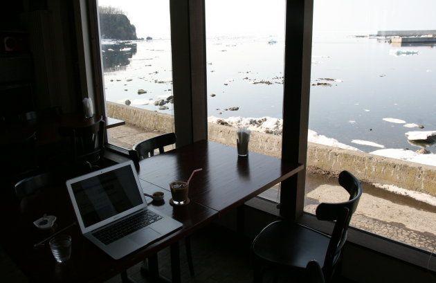 知床半島にカフェバー「GVO」にて(3月27日撮影)