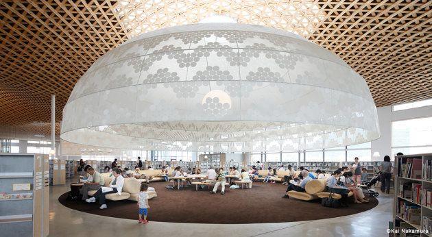 2015年に開館した「みんなの森ぎふメディアコスモス」(岐阜市立中央図書館を中核とする複合施設)