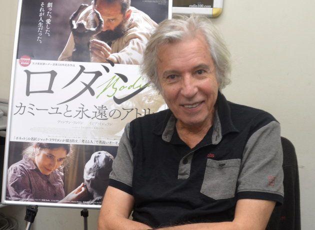 インタビューに答えるジャック・ドワイヨン監督