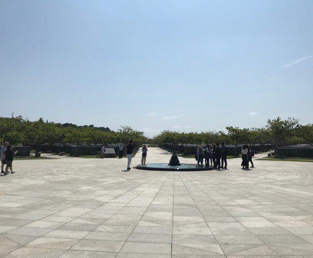 平和記念公園の「平和の礎」=沖縄県糸満市