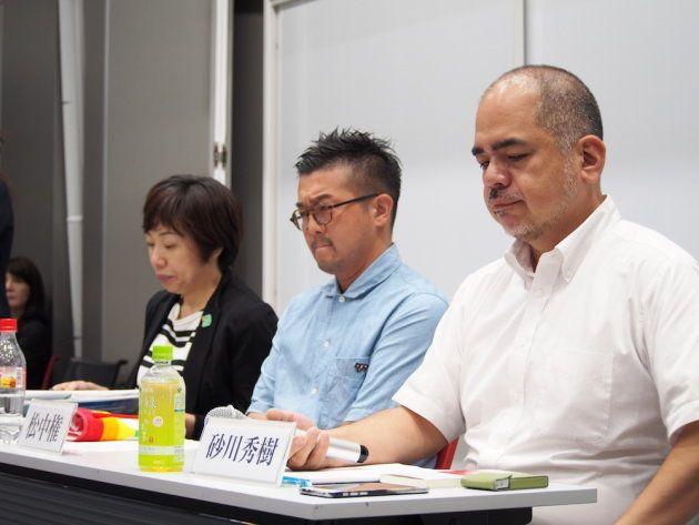 大学機関やNPOなど、LGBTに関する活動を行っている3名が登壇した。