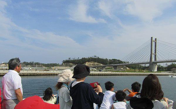 東日本大震災:8年ぶりの海開きを楽しむ 西会津ワクワク子ども塾