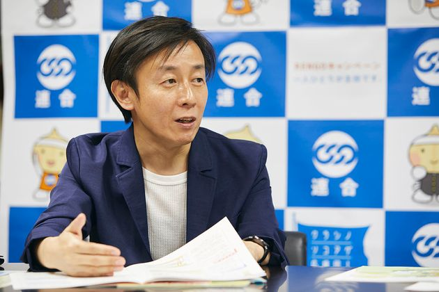 青野慶久(あおの・よしひさ)。1971年生まれ。愛媛県今治市出身。大阪大学工学部情報システム工学科卒業後、松下電工(現