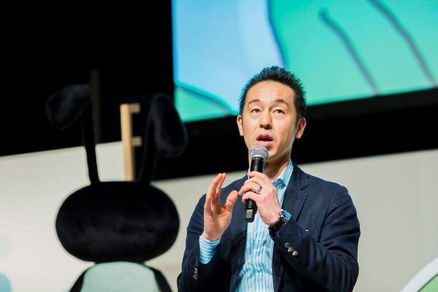 曽山哲人(そやま・てつひと)。1974年、神奈川県生まれ。1998年上智大学を卒業後、株式会社伊勢丹(現:株式会社三越伊勢丹ホールディングス)に入社。1999年サイバーエージェントに入社。インターネット広告事業本部統括を経て、2005年に人事本部長に就任し、2008年に取締役就任。著書に『クリエイティブ人事』(光文社新書)、『強みを生かす』(PHPビジネス新書)がある。