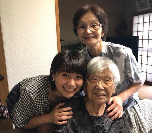 複雑な境遇の中、育ててくれたおばあちゃん、ひいおばあちゃんに花嫁姿をみせたいとプロジェクトに参加