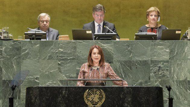 第72回国連総会閉幕式で宣誓を行うマリア・フェルナンダ・エスピノサ・ガルセス
