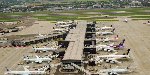 航空業界大手のボーイングとエアバスが、そろって小型航空機メーカーを買収した理由。 (森山祐樹