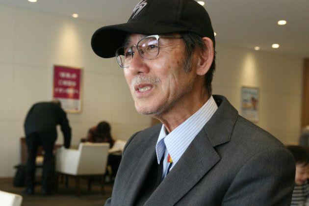 インタビューに応じる下崎闊さん(2017年11月9日撮影)