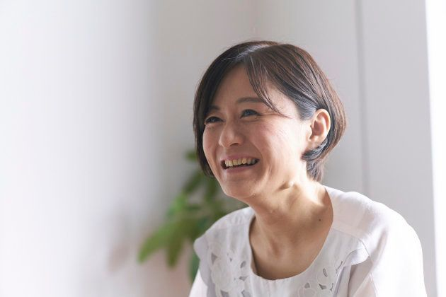 桜林直子(さくらばやし・なおこ)。1978年生まれ 東京都出身。2002年に結婚、出産をし、ほどなく離婚してシングルマザーになる。洋菓子業界で12年の会社員を経て2011年に独立し「SAC about