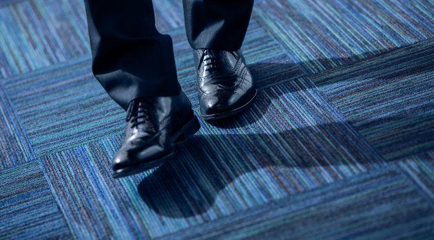 取材時にも、時国さんの靴はピカピカ。