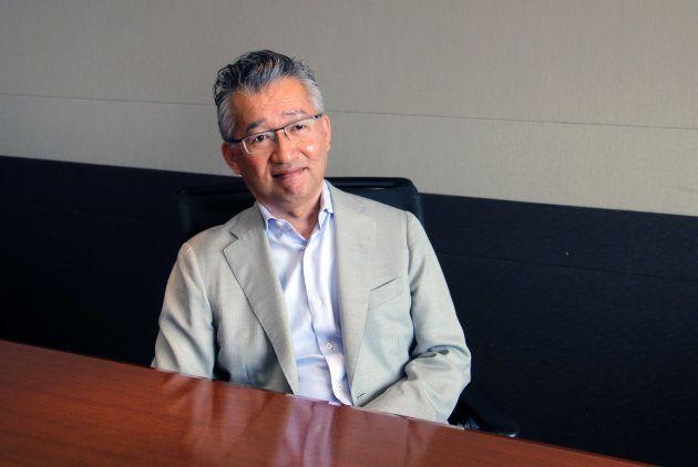 インタビューに答える清原社長。
