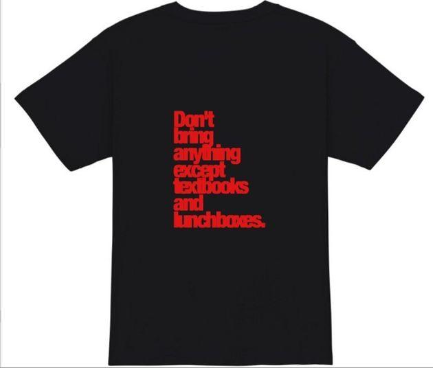 日本の高校の校則文の英訳をプリントしたTシャツ