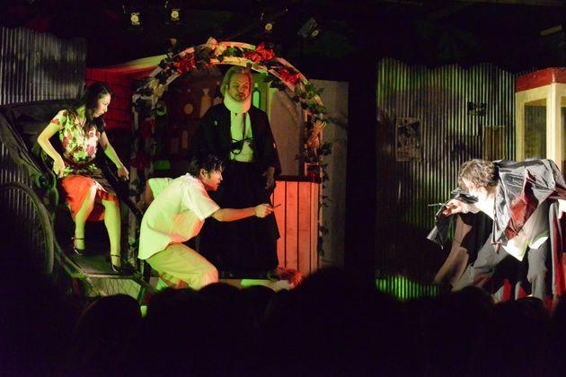 47年ぶりの『吸血姫』  唐組の紅いテント芝居には、人をさらう力がある
