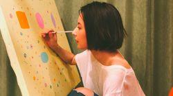ベッキーが、新宿でアート展に挑戦。個展「空へと」に込めた思い