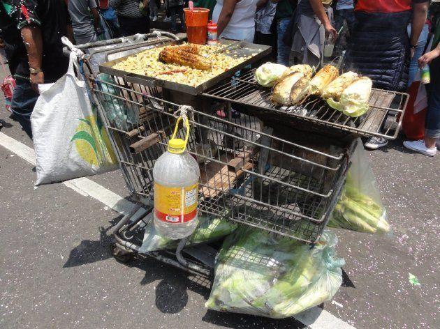 現場で売っていたトウモロコシ