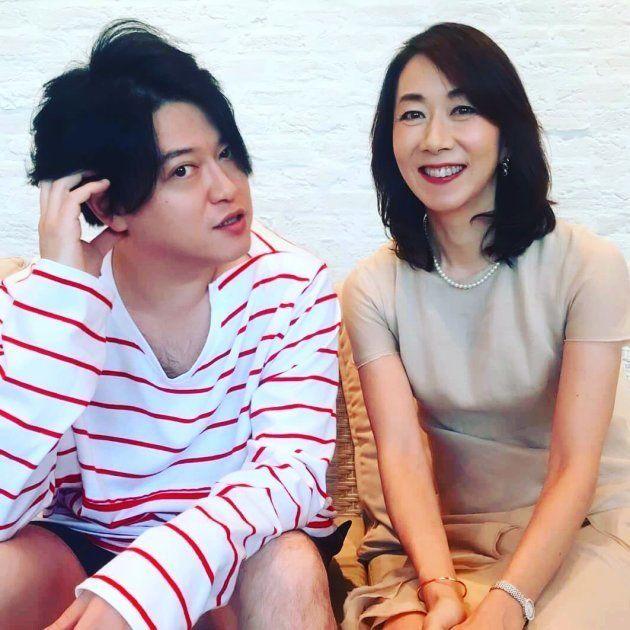 渋谷慶一郎さん(左)と長野智子