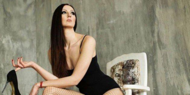 ギネスで「世界一脚の長い女性」と「世界一背の高いプロのモデル」で認定されたエカテリーナ・リシーナさん