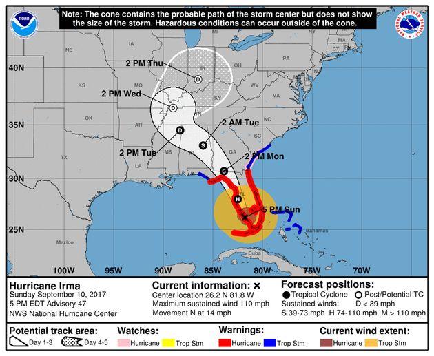 国立ハリケーンセンターの進路予想図