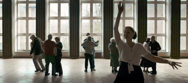 映画『運命は踊る』監督が語る運命のいたずら。「娘はわずかな差で死を逃れた」