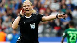 ドイツ・ブンデスリーガに女性主審が誕生 38歳の警察官