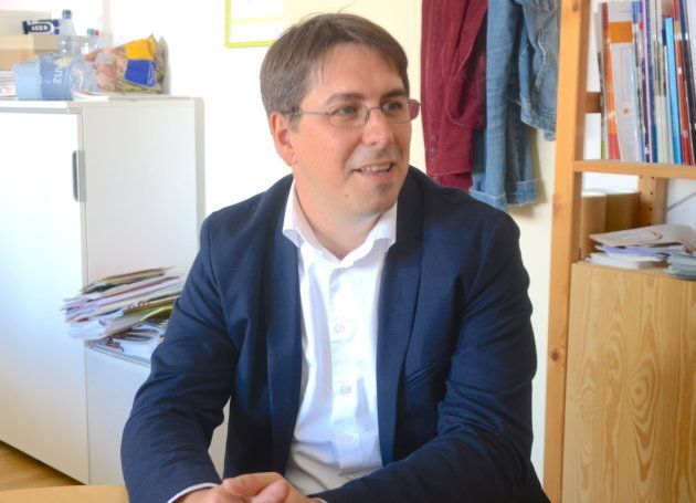 「ヘッセン難民評議会」代表のティモ・シェレンバーグさん=フランクフルト