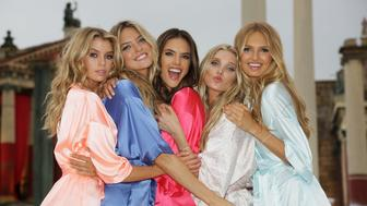 ROME, ITALY - JULY 23:  (L-R) Victoria's Secret Angels Stella Maxwell, Martha Hunt, Alessandra Ambrosio, Elsa Hosk and Romee Strijd land at Cinecitta Studios on July 23, 2015 in Rome, Italy.  (Photo by Ernesto Ruscio/Getty Images for Victoria's Secret)