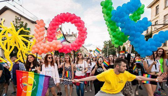 世界各地で開催、LGBTの祭典ゲイ・プライドがすごい。アメリカはトランプ大統領に抗議