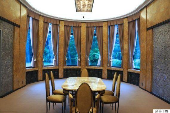 旧朝香宮邸で「亡霊」たちの声に耳を傾ける 東京都庭園美術館でボルタンスキーの展覧会