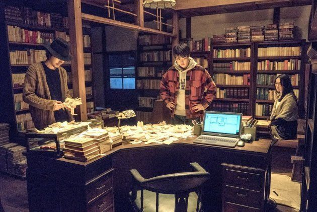 太宰治とSNSの言葉はどう違うのか。「ビブリア古書堂の事件手帖」監督が伝えたいこと