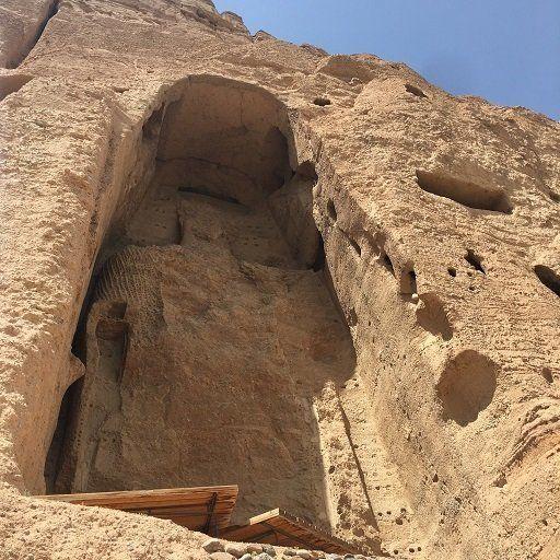2001年に破壊された東大仏。38メートルの大仏立像は現在仏龕(ぶつがん)内に存在していない。