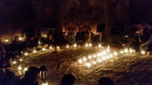 平和を希求する祭典が地方政府と村人により開催される。
