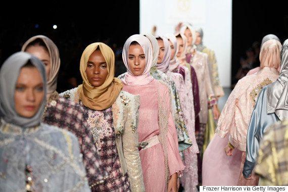 ヒジャブが最高に美しい。28歳デザイナーが魅せたNYコレクション(動画・画像)