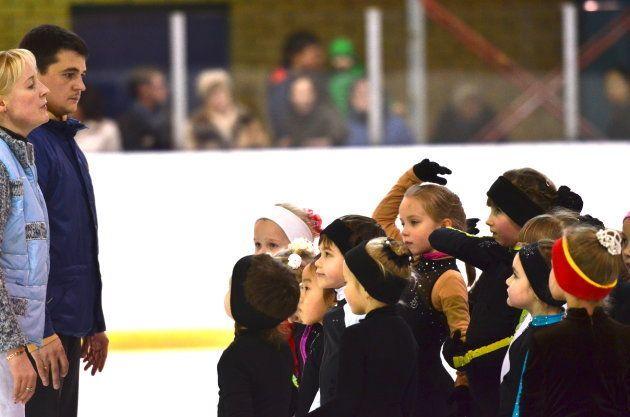 フィギュアスケートの練習に取り組むロシアの子どもたち=2013年11月、モスクワの第37青少年特別スポーツ五輪予備校