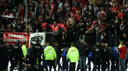 フランスのサッカーリーグ戦で観客席の柵が崩壊、29人が負傷