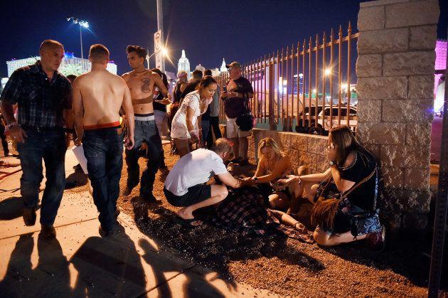 ラスベガスで銃乱射事件 50人以上が死亡、400人負傷(画像・動画)【UPDATE】