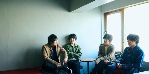 flumpool、活動再開を発表 故郷・大阪天王寺のストリートライブで再始動