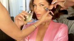 ベラ・ハディッド、カンヌ映画祭の準備がセクシーすぎる。再びスリットドレスを披露(画像集)