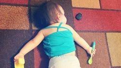 あぁ癒される...。子どもたちがありえない場所で熟睡する36枚の写真