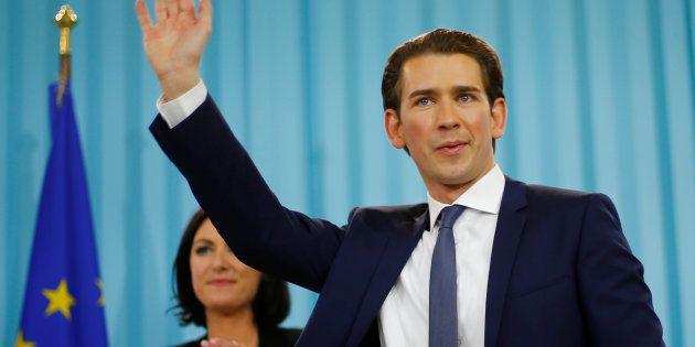 10月15日、勝利宣言するセバスティアン・クルツ氏