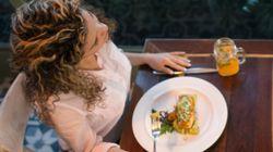 「ぼっち飯」なんて気にしない。人生を豊かにしてくれる3つの理由。