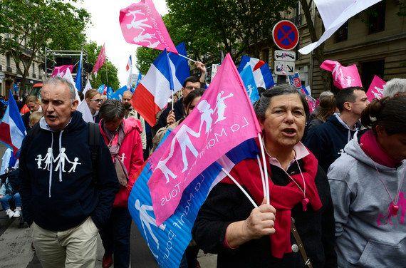 「法律で認められてどう変わった?」フランスで初めて同性婚した男性に聞いた