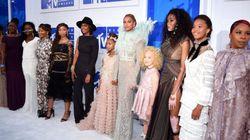 ビヨンセ、MTV授賞式に「アメリカを動かした4人の黒人少年」の母親を招待