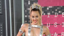 ほぼ裸に生肉...これまでに話題をさらった、VMAのすごいドレス(画像集)