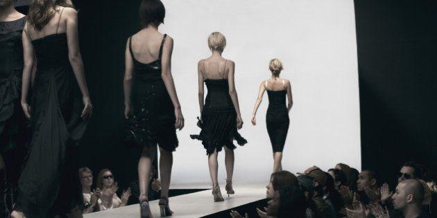 痩せすぎモデルの活動は禁止、ファッションの中心地フランスで法律施行 画像修正も...