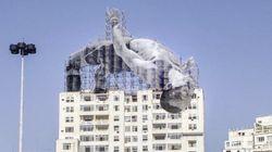 「ビルを飛び越える高跳び選手」リオに現わる 驚きのアート作品